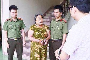 Cụ bà U62 tiếp tục bị bắt vì làm giả con dấu, tài liệu cơ quan nhà nước