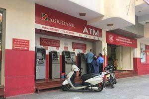 Hàng loạt ngân hàng tăng phí dịch vụ