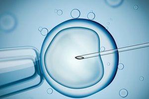 Phụ nữ bị ung thư có thể thoát khỏi vô sinh sau hóa trị