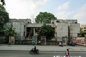 Cận cảnh ngôi nhà bí ẩn suốt 27 năm qua trên phố Kim Mã