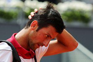 Djokovic tiếp tục nhận thất bại