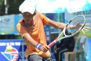 Văn Phương, tay vợt chăm chỉ