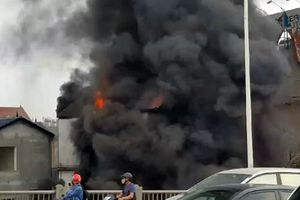 Cháy lớn tại Hà Nội, 1 phụ nữ thiệt mạng