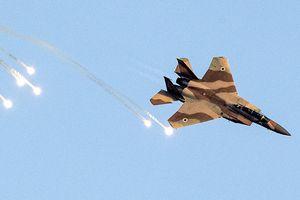 Israel nã 70 quả tên lửa, tuyên bố không kích toàn bộ hạ tầng Iran tại Syria