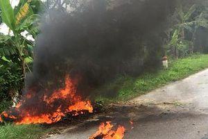 Hải Dương: Đang lưu thông trên đường, xe máy bất ngờ bốc cháy