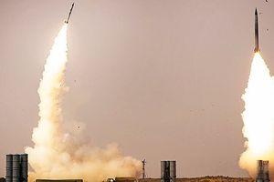 Bất chấp Mỹ trừng phạt, Thổ Nhĩ Kỳ vẫn mua tên lửa phòng không S-400