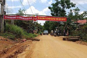 Người dân Kon Tum lập rào chắn đường vào thi công thủy điện Pleikần