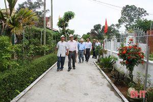 Nguyên lãnh đạo 2 tỉnh Nghệ An – Hà Tĩnh tham quan nông thôn mới