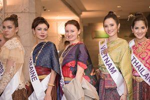 Diệu Linh và dàn thí sinh Nữ hoàng du lịch quốc tế 2018 đẹp dịu dàng trong bộ quốc phục Thái Lan