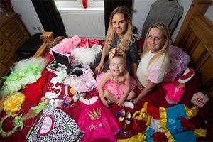 Bé gái 4 tuổi từng tham gia 10 cuộc thi hoa hậu nhí