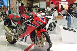 Honda Việt Nam sắp bán nhiều xe phân khối lớn tại showroom môtô phân khối lớn đầu tiên
