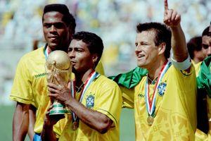 Romario khuyên Gabriel Jesus chăm làm 'chuyện ấy' tại World Cup