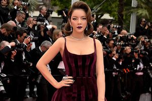 Lý Nhã Kỳ liên tục công phá thảm đỏ Cannes với phong cách mới