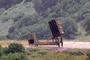Israel cay đắng thừa nhận Mái vòm thép chỉ bắn hạ 4/20 tên lửa từ Syria