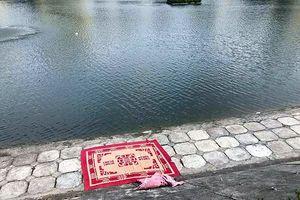 Người đàn ông đuối nước dưới hồ Ngọc Khánh
