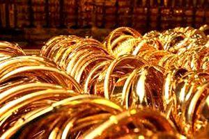 Giá vàng tiếp tục tăng mạnh, vàng nhẫn lên 140.000 đồng/lượng
