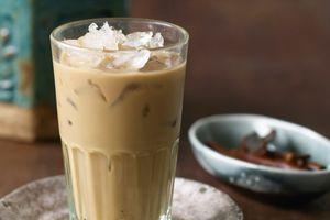 Nước đá ở nhiều quán cà phê xứ Wales nhiễm vi khuẩn từ phân