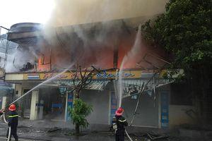 Cháy nhà hàng lúc sáng sớm, thiệt hại hàng trăm triệu đồng