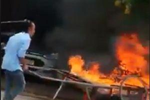 Phạt 3,5 triệu đồng người đốt xe ba gác ở Cà Mau