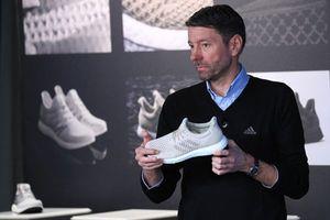 Gia công giày Adidas đang chuyển dịch từ Trung Quốc sang Việt Nam
