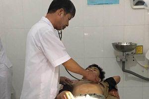 Hà Tĩnh: Nam sinh lớp 10 vung dao đâm bạn trọng thương tại lớp học