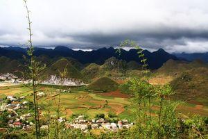 Bài thi viết 'Việt Nam - Vẻ đẹp bất tận': Cực bắc Hà Giang mùa chim én xây tổ