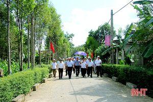 Đoàn công tác Ninh Bình tham quan khu dân cư NTM tại Hà Tĩnh