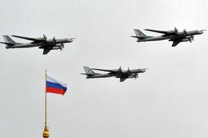 Tiêm kích Mỹ chặn 'gấu bay' ném bom tầm xa của Nga gần Alaska