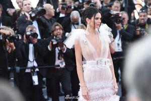 Clip Kendall Jenner và dàn sao nữ trên thảm đỏ Cannes lần thứ 71