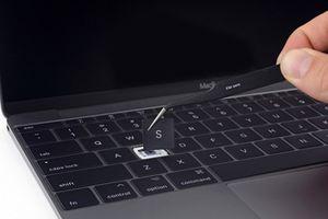 Người dùng 'bắt tay' kiện Apple vì lỗi bàn phím MacBook