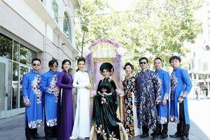 Áo dài Đỗ Trịnh Hoài Nam tỏa sáng Festival Áo dài tại Mỹ