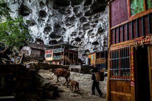 Tộc người sống trong hang cuối cùng ở Trung Quốc