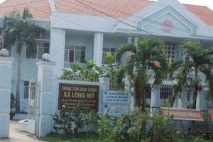 Có biểu hiện tham ô, một chủ tịch xã Vĩnh Long bị đình chỉ công tác