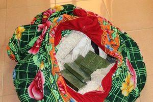 Lai Châu: Giấu heroin trong bao tải chứa rắn, bố vợ và con rể bị bắt giữ
