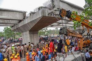Sập cầu vượt đang thi công tại Ấn Độ, ít nhất 18 người chết