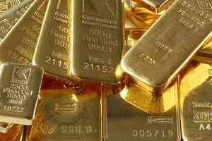 Đồng USD tăng giá mạnh, giá vàng về đáy từ đầu năm