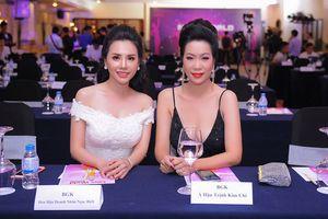 Á hậu 46 tuổi Trịnh Kim Chi táo bạo gợi cảm bên Hoa hậu Ngọc Bích