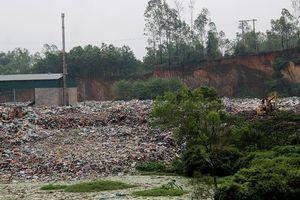 Dân khổ sở vì mùi hôi thối và ruồi 'tấn công' từ bãi rác
