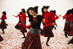 Lời bài hát 'Đóa hoa hồng' của Chi Pu