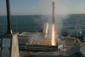 Mỹ đưa tên lửa Hellfire xuống biển chống hạm