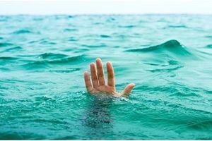 Đắk Lắk: Rủ nhau xuống đập bắt ốc, 2 học sinh đuối nước thương tâm