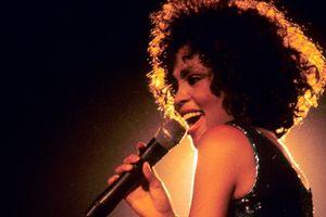 Phim tài liệu chứng minh Whitney Houston từng bị lạm dụng tình dục