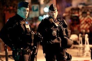 Dốc sức điều tra vụ khủng bố bằng dao ở Paris