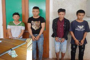 Hai anh em ruột vác kiếm chặn xe tải cướp tiền ở Hà Tĩnh