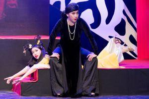 Trấn Thành nổi nóng, tát Diệu Nhi trên sân khấu minishow 'Yêu'