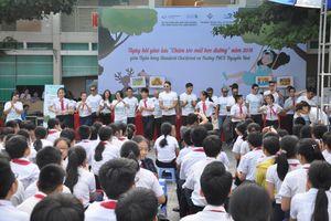 Đà Nẵng: Khám sàng lọc và chăm sóc mắt cho học sinh