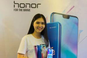 Smartphone 'tai thỏ' Honor 10 trình làng thị trường Việt