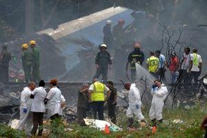 Video: Máy bay rơi ở Cuba, hơn 100 người thiệt mạng