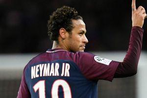 HLV Zidane: '10 ngày nữa hãy bàn đến Neymar'