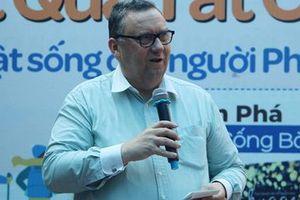 Đại sứ Phần Lan trả lời độc giả Việt về tinh thần Sisu tại đường sách
